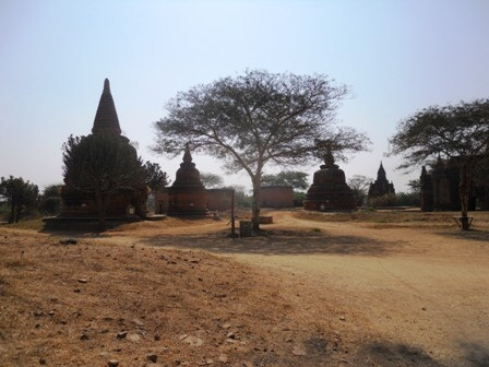 Multiples stupas