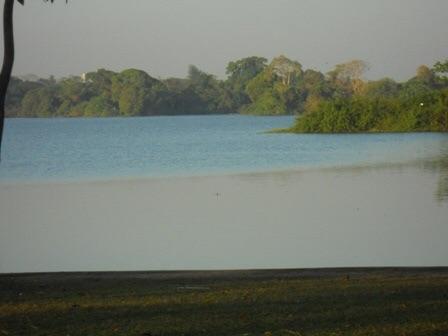 Vue sur l'Inya Lake