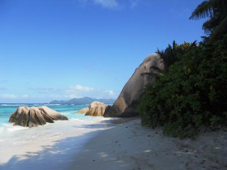Une des plages de la digue aux Seychelles