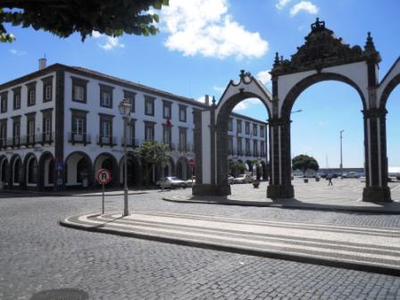 Une des places de Ponta Delgada Açores Sao Miguel