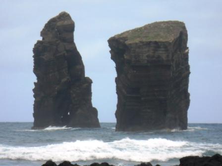 Roches au cœur de l'océan Açores Sao Miguel