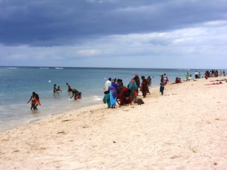Fête du Ganga Asnan sur la plage de Flic en Flac-Ile Maurice