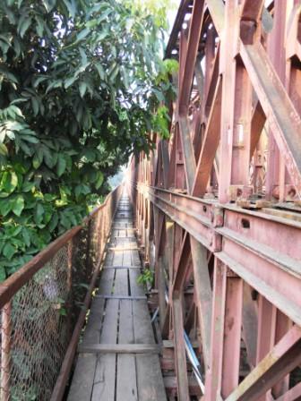 Laos-Rivière-Paysage-Pont (1)