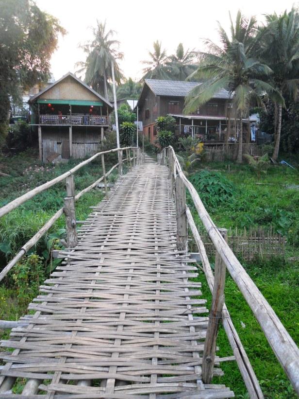 Laos-Rivière-Paysage-Pont (11)
