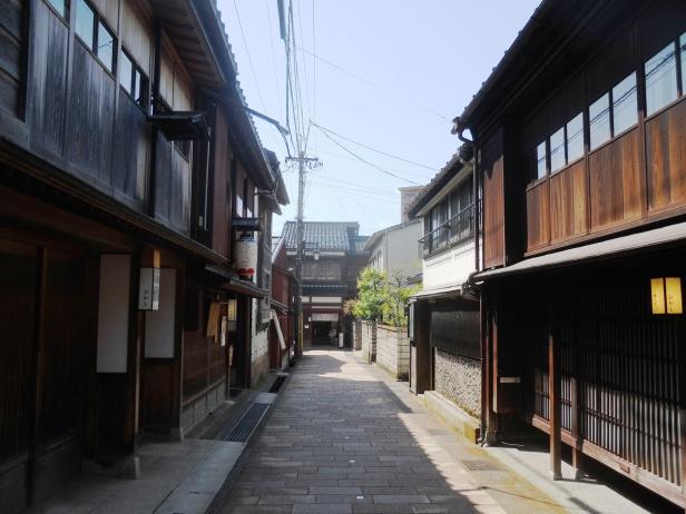 Voyage-Japon-Kanazawa- HigashiChayaGai (1)